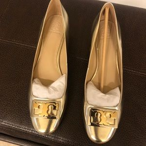 **NEW** Tory Burch Gold Low Heels with silver logo